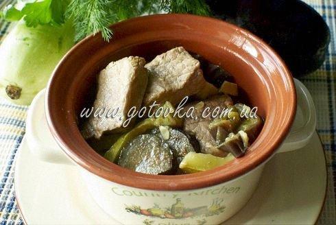 тушеная телятина с кабачками и баклажанами